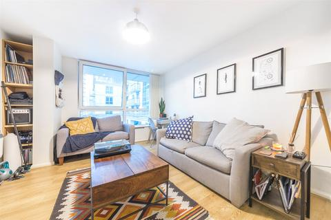 1 bedroom apartment for sale - Hanover House, St George Wharf, SW8
