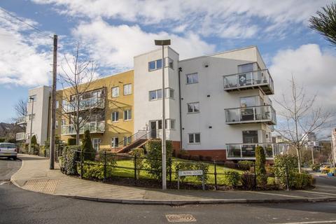 2 bedroom apartment - Paget Road, Penarth