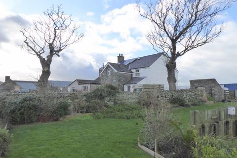 3 bedroom semi-detached house for sale - Llanfwrog