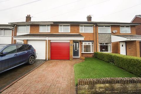 3 bedroom semi-detached house to rent - Cambridge Road, Lostock