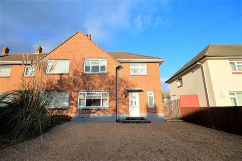 3 bedroom end of terrace house for sale - Melbury Avenue, Poole