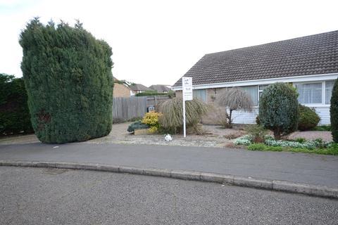 2 bedroom semi-detached bungalow to rent - Crowson Crescent, Northborough, Peterborough, PE6