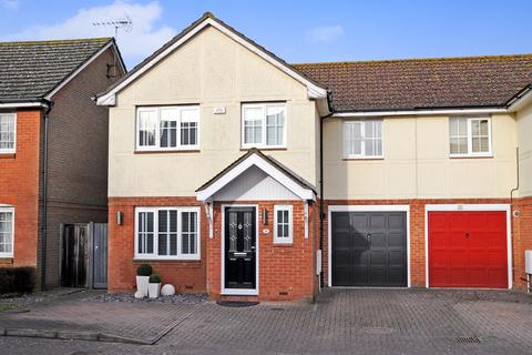 4 bedroom semi-detached house for sale - Langdon Mews, Billericay, CM11