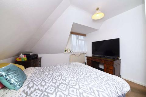 2 bedroom flat for sale - Granville Place, North Finchley, London, N12