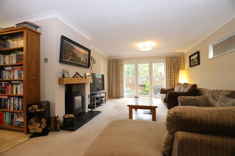 4 bedroom detached house for sale - Vicary Way, Maidstone