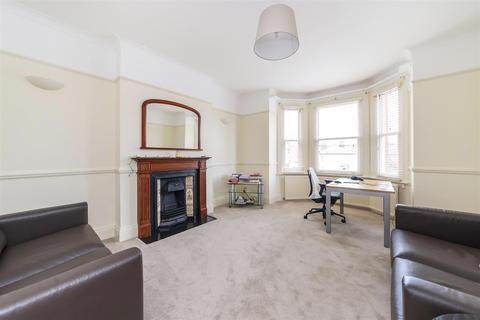 2 bedroom flat to rent - Madeley Road, Ealing, W5