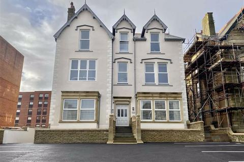 1 bedroom apartment - Clifton Drive North, St.Annes