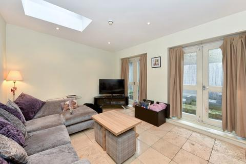 2 bedroom flat to rent - Fulham High Street, Fulham, SW6