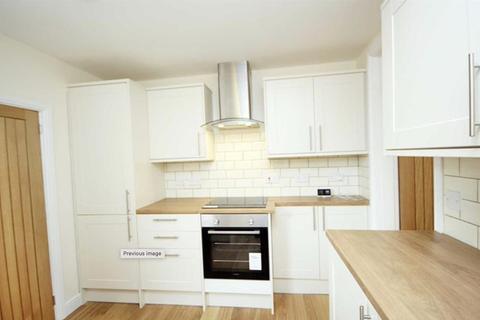 3 bedroom terraced house - Linton Road, Sale