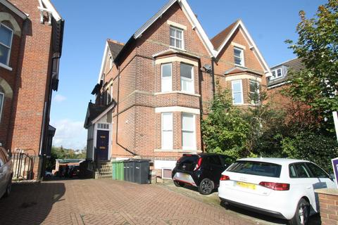 Studio to rent - College Road, Maidstone
