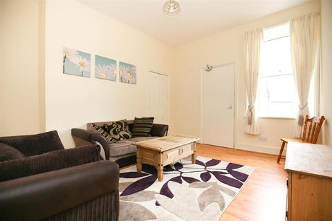 4 bedroom maisonette to rent - Mundella Terrace, Heaton, NE6