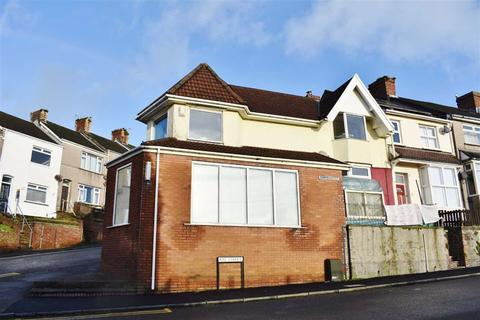 3 bedroom end of terrace house - Bay Street, Port Tennant