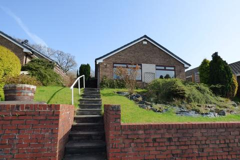 3 bedroom detached bungalow for sale - Elmley Close, Offerton, Stockport, SK2