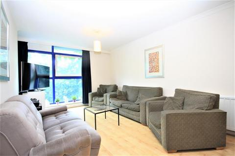 3 bedroom flat to rent - Sweden Gate, Surrey Quays, London, SE16 7TG