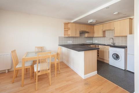 Studio to rent - Coleridge Square