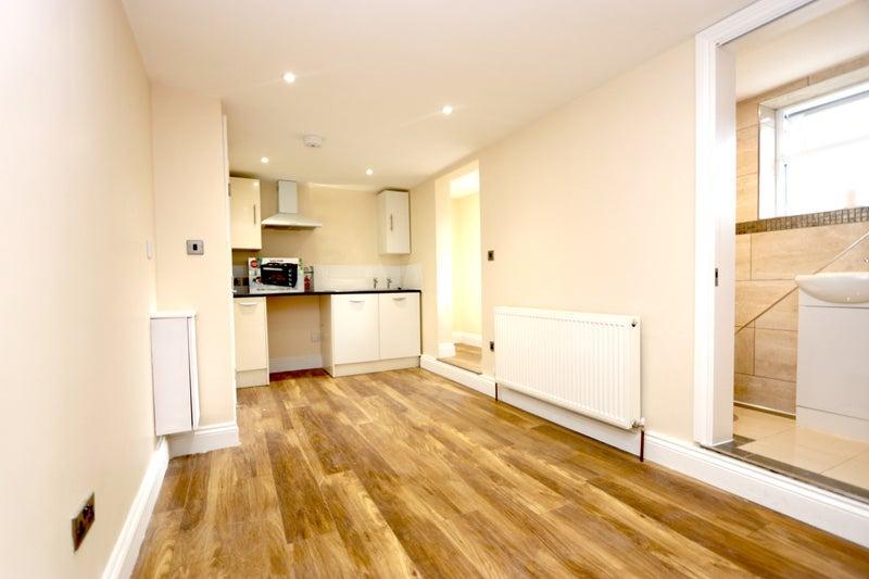All Inclusive Studio Flat in Crofton Park