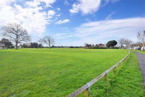 3 bedroom semi-detached house for sale - Rife Way, Ferring, Worthing, West Sussex