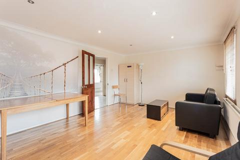 3 bedroom apartment to rent - Charter Court, Crescent Rise, London, N22