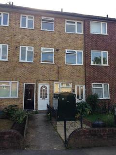 2 bedroom maisonette to rent - MAY CLOSE, CHESSINGTON KT9
