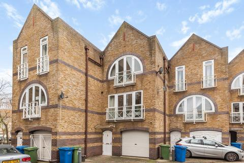 4 bedroom townhouse for sale - Eleanor Close, Surrey Quays
