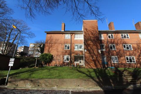 3 bedroom flat to rent - Selsfield Drive, Brighton BN2