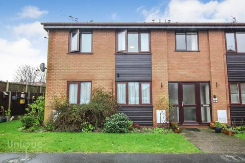1 bedroom flat for sale - St. Davids Grove,  Lytham St. Annes, FY8