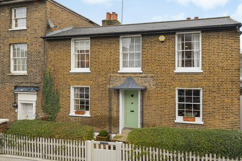 3 bedroom semi-detached house for sale - Woodhill London SE18