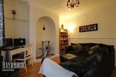 2 bedroom terraced house for sale - King Street, Swinton