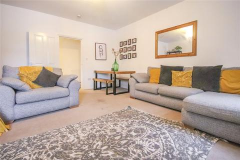 2 bedroom apartment - Kennedy House, Crown Row, Bracknell, Berkshire, RG12