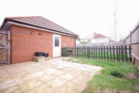 3 bedroom semi-detached house to rent - Wheatcroft Way, Swindon, Wiltshire, SN1