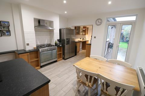 2 bedroom house for sale - Mill Green Road, Haywards Heath, RH16