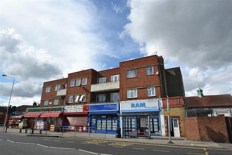 3 bedroom apartment for sale - Cranbrook Road, Gants Hill, Essex