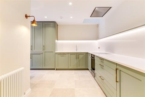 2 bedroom mews to rent - Victoria Grove Mews, London