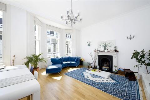 3 bedroom flat to rent - Stafford Terrace, Kensington, London, W8
