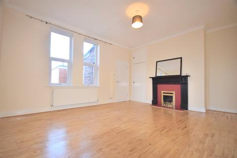 3 bedroom apartment to rent - Low Fell