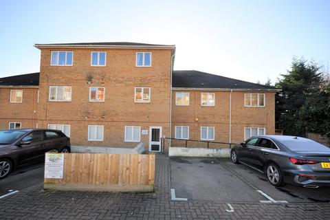 2 bedroom apartment to rent - Collier Row Road, Romford