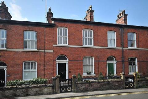 3 bedroom property for sale - Prestbury Road, Macclesfield