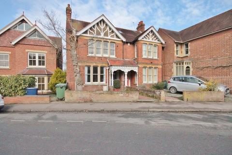 Studio to rent - Divinity Road, Oxford