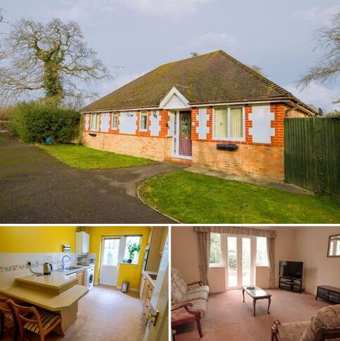 3 bedroom bungalow for sale - Holm Oaks, Cowfold