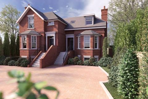 4 bedroom semi-detached house for sale - Sandy Lane, Cobham