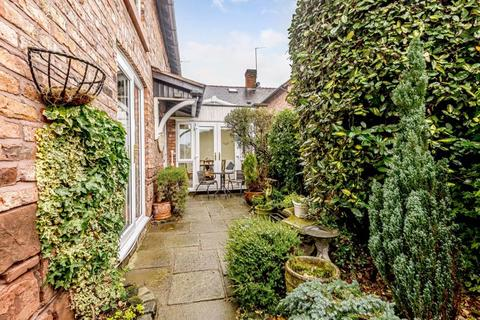 2 bedroom semi-detached house for sale - Central Tarporley - Cheshire Lamont Property Ref 3247