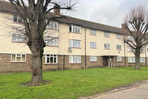 2 bedroom flat for sale - Romford