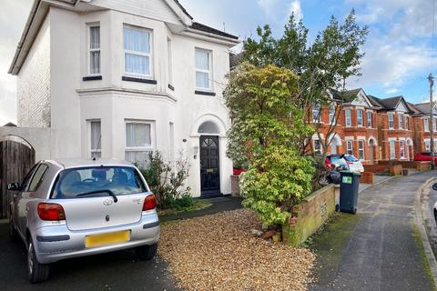 4 bedroom detached house to rent - Orcheston Road, Bournemouth