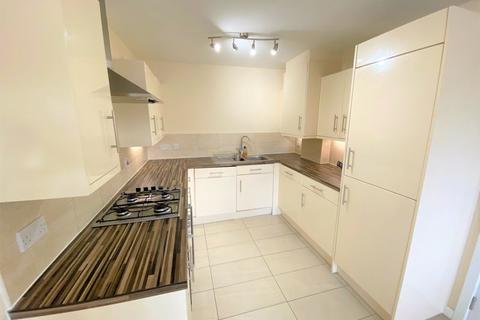 3 bedroom semi-detached house to rent - Amersham Park Road, Salford