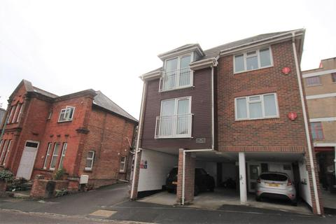 2 Bed Flats To Rent In Bournemouth Apartments Flats To Let Onthemarket