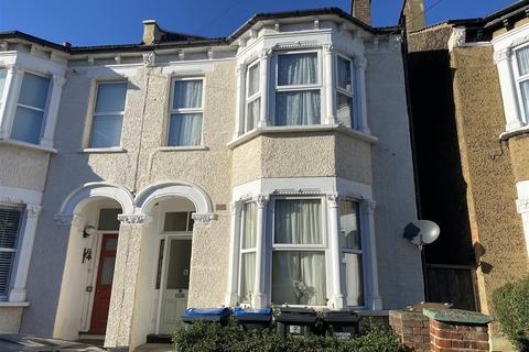 2 bedroom flat for sale - Balfour Road, London
