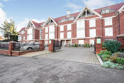 1 bedroom apartment for sale - Justice Court, Holt Road, Cromer, Norfolk, NR27 9EL