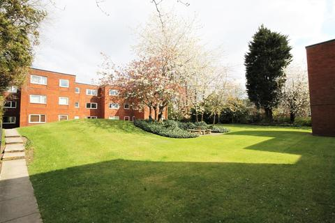 3 bedroom flat to rent - Greenside Court, Monton, Manchester