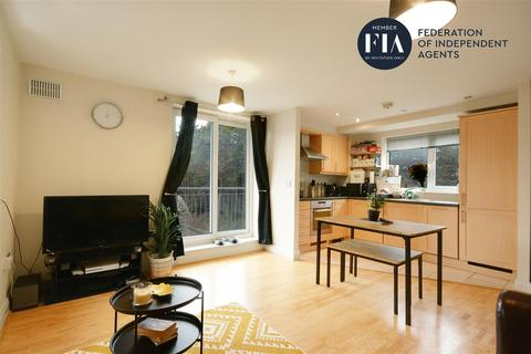 2 bedroom flat for sale - Temeraire Place, Brentford