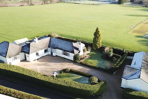 4 bedroom detached bungalow for sale - Old Road, ., Stone